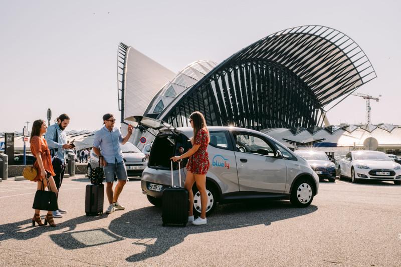 Louer (pas cher) une voiture électrique à Lyon