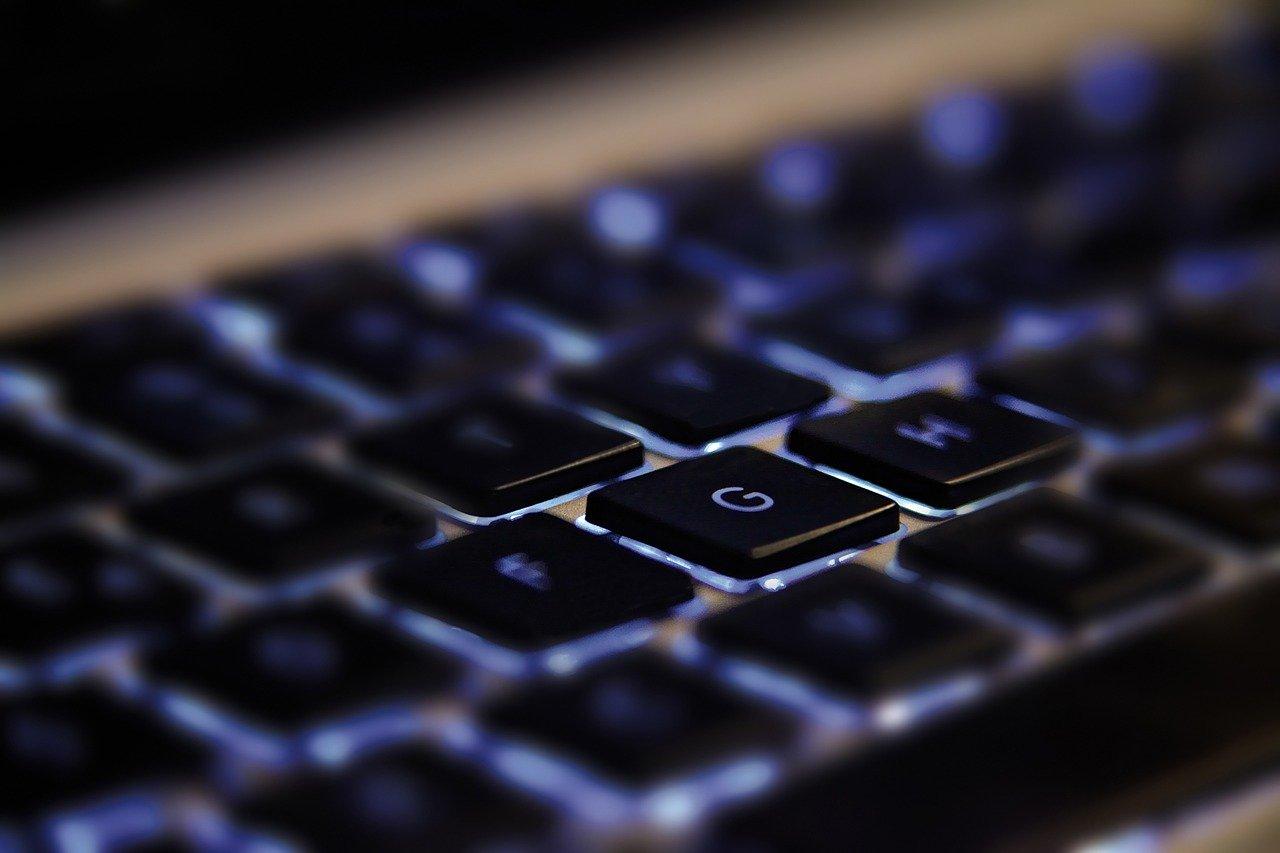LEO, le serveur en ligne pour poser tes questions